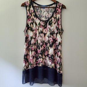 Simply Vera Wang Abstract blouse tank XL